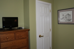 Room 4: Chest of Drawers, TV