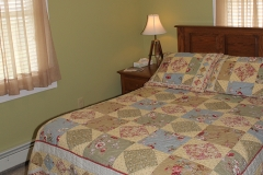 Room 4: Second Floor, Double Bed