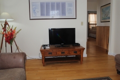Living Room: Big Screen TV with Basic DirecTV Channels