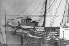 Samuel Mather at left in Duluth Harbor, 1890