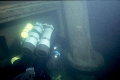 Diver-examines-base-of-mizzenmast
