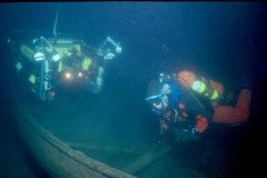 ROV-and-Diver-examine-Vienna-s-yawl-boat